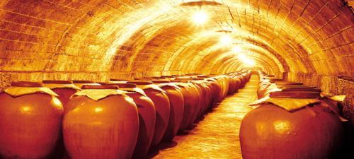 苏洋酿酒传承老五甑双轮固态发酵工艺