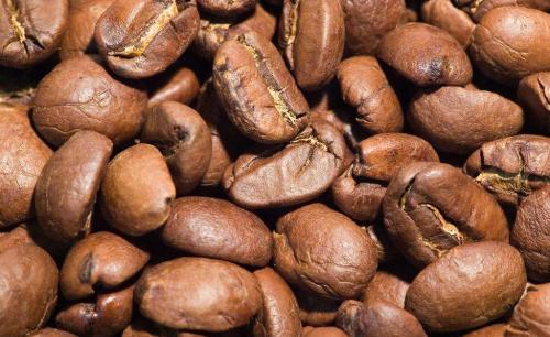 咖啡豆处理有讲究 烘焙机脱壳机齐上阵