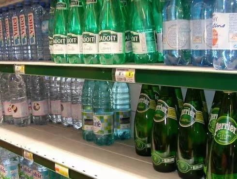 可乐这样的饮料正在美国失宠,现在大家都喜欢气泡水