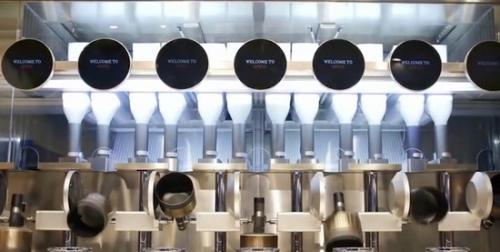 波士顿一餐馆实现机器人炒菜,厨房全自动化操作