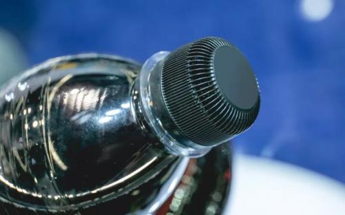 高握力瓶盖可以减少饮料包装中塑料的使用!