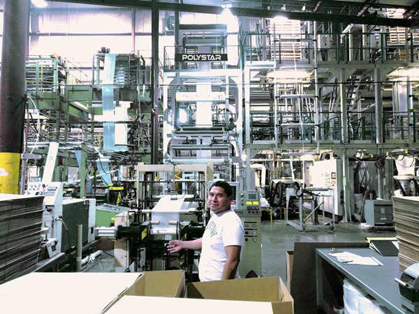 美国大型包装薄膜生产商持续引进POLYSTAR回收与吹袋设备