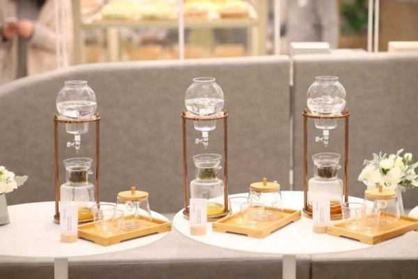 「奈雪の茶」新开 6 座城市,创始人如何做外来颠覆者?