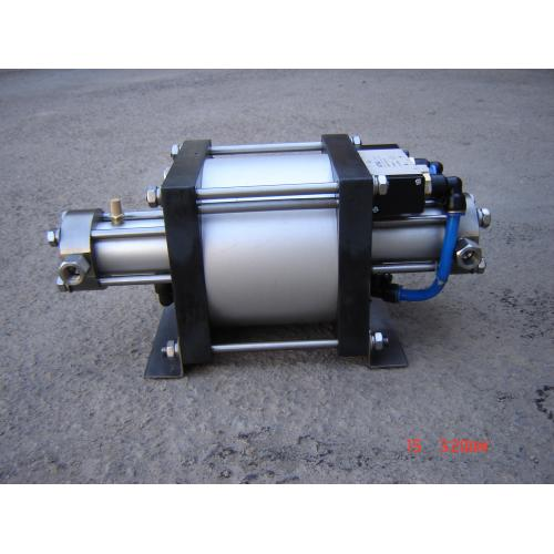 气动二氧化碳增压泵